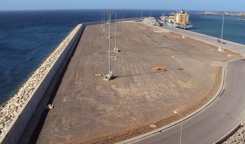 moderniza u00e7 u00e3o e expans u00e3o do porto da praia  u2013 fase ii  u2013 tecnovia