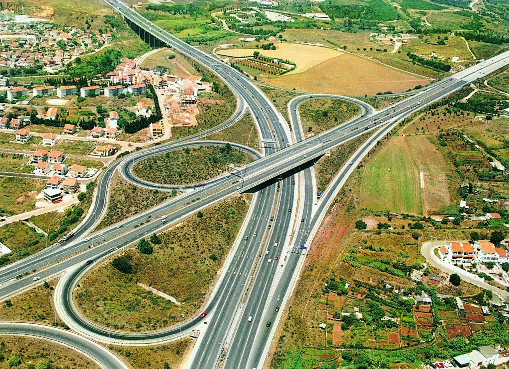 Autoestrada do Estoril A5 e Nó da Crel A9 na zona do Estádio Nacional ambas construídas pela Tecnovia