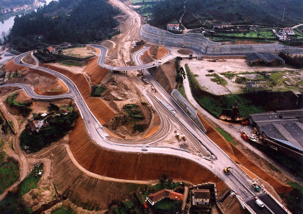 Construção da variante a Entre-os-Rios