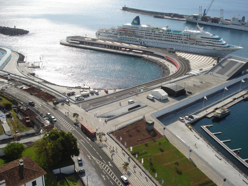 Complexo das Portas do Mar em Ponta Delgada